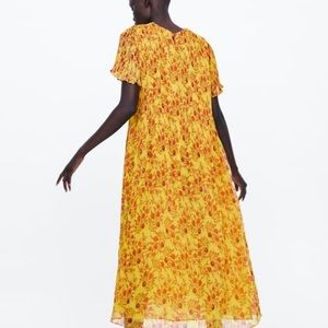 NWOT yellow floral pleated Zara dress - Size XS